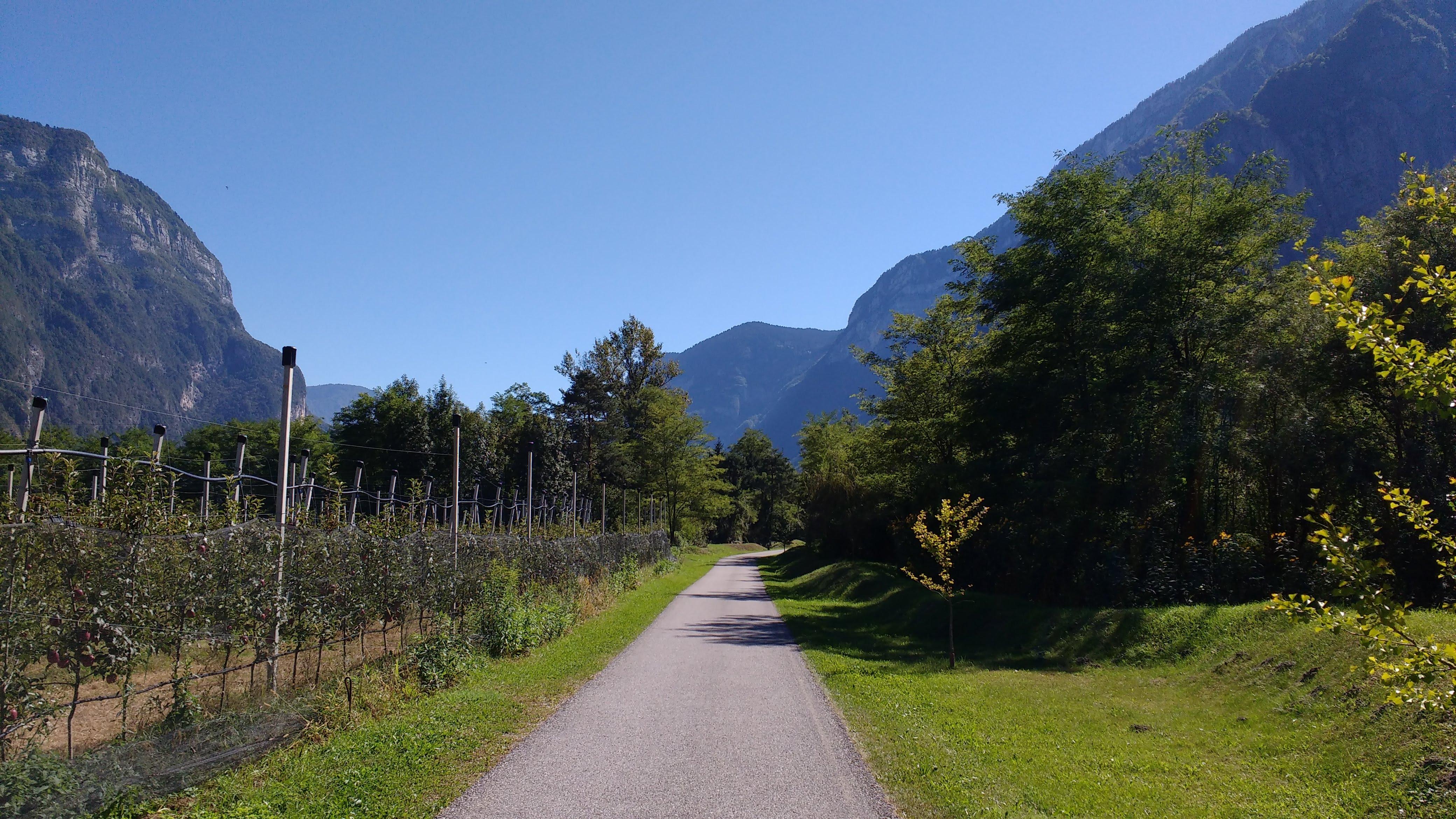 Radweg im Suganertal